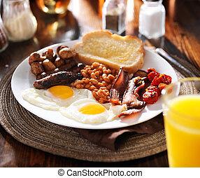 saucisse, oeufs, tomates, champignons, lard, anglaise, haricots, petit déjeuner