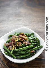 sauteed, burro, pancetta affumicata, aglio, fagioli verdi