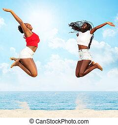 sauter, ensemble, amis, plage., africaine, deux