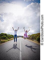 sauter, route, couple, excité