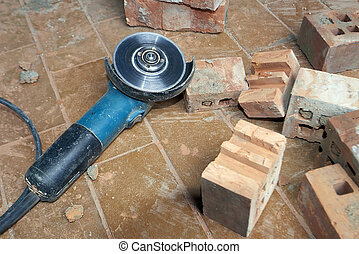 Saw for bricklayer