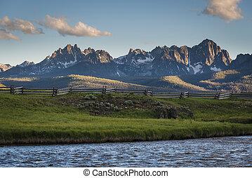 Sawtooth Mountain Range, Idaho - View of the Sawtooth...