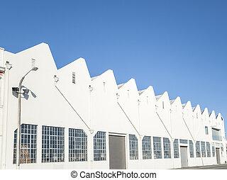 sawtooth, roof-line.