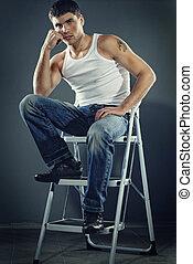scale, uomo, jeans, attraente, seduta