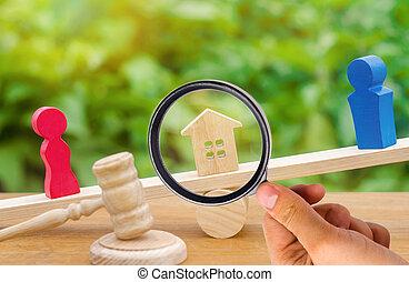 scale., uomo, proprietà, legale, divisione, standing, house., legno, court., conflict., figure, means., persone., donna, proprietà, clarification, prova, divorzio