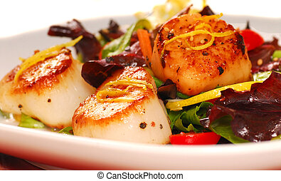 Scallops with a fresh salad - Fresh seared sea scallops with...