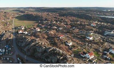 scandinave, éloigné, côtier, falaise, village, paysage, pullback, aérien