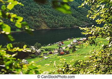 scandinave, maisons, rivage, de, les, narrowest, fjord, dans, norvège, -