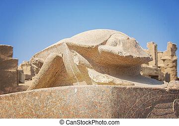 Scarab statue