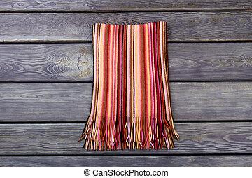 scarf., listrado, dobrado