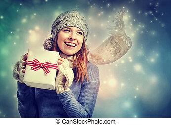 scatola, donna, giovane, presa a terra, presente, felice