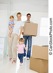 scatola, famiglia, spostamento, casa nuova, sorridente