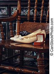scatola, merriage, donna, gioielleria, rinhgs, scarpe, matrimonio, decorazione, preparazione, paio, concetto, lusso, fondo, textured, vista, palo, ricco, scheda
