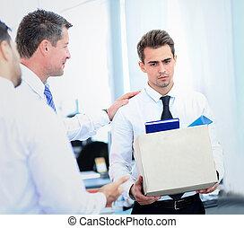 scatola, uomo affari, portante, congedato