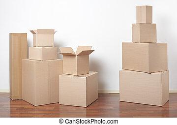 scatole cartone, in, interno, giorno trasloco