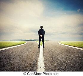 scelte, di, uno, uomo affari, a, uno, crossroads., concetto, di, decisione