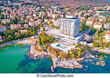 Scenic coastline of Opatija and Lungomare seaside walkway ...