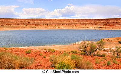 Scenic Lake Powell near Antelope Canyon in Arizona
