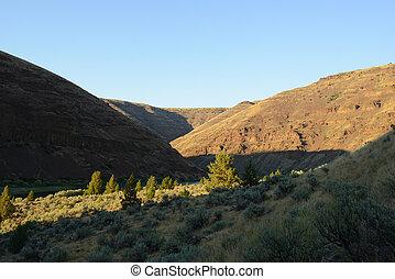 scenic mountain landscape in oregon