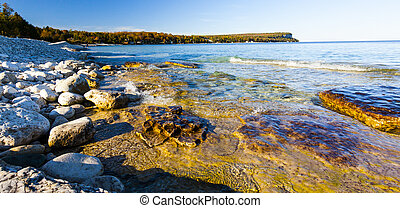 Scenic Rocky Shoreline Along Georgian Bay, Ontario Great ...
