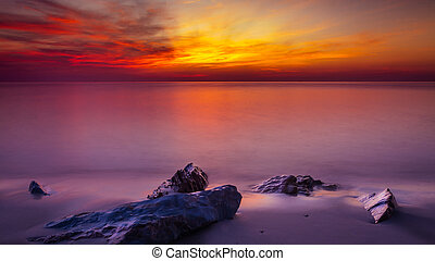 Scenic view of beautiful sunset above the sea