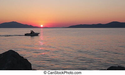 Scenic view of beautiful sunset in the evening time over the sea