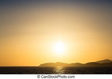 Scenic view of beautiful sunset/sunrise above the sea