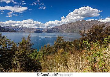 Scenic view of Lake Wanaka in New Zealand