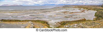 Scenic view of the Great Salt Lake in Utah