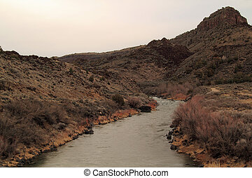 Scenic view of the Rio Grande as it winds through the Orilla Verde Recreation Area in the state of New Mexico