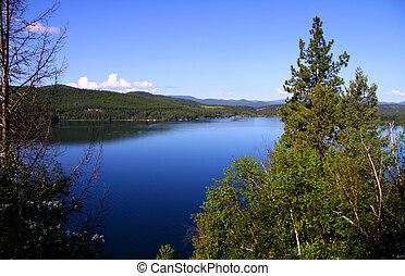 Scenic yellowstone lake in yellowstone national park