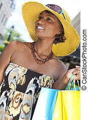 schöne , afrikanische amerikanische frau, mit, mode, einkaufstüten
