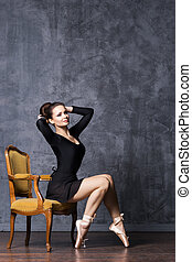schöne , ballerina, armchair., sitzen, weinlese, koerper, junger, perfekt