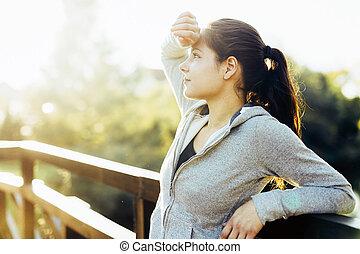 schöne , basierend, frau, nach, jogging, draußen