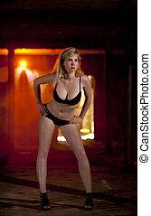 schöne , blond, damenunterwäsche, modell