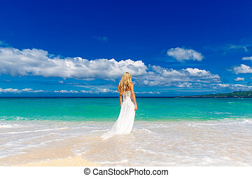 schöne , blond, verlobte, in, weiße hochzeit, kleiden, mit,...