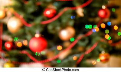 schöne , fokus, hintergrund, mit, bunte, lichter, glühen, auf, weihnachtsbaum