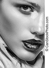 schöne frau, closeup, kosmetikartikel, make-up, porträt