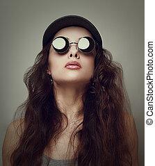 schöne frau, in, sunglasses., closeup, weinlese, porträt