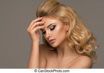schöne frau, lockig, langer, hair., blond, m�dchen, sinnlich, posing.