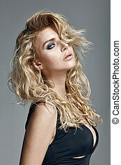 schöne frau, lockig, langes haar, blond