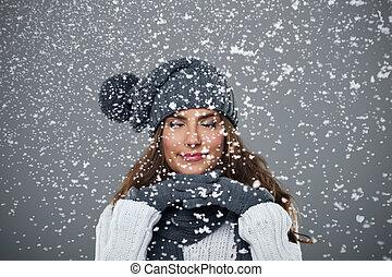 schöne frau, schnee, junger, genießt, zuerst