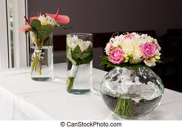 Schone Hochzeit Kuchen Tisch Weisse Blumen Schone Hochzeit