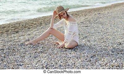 schöne , hut, frau, sandstrand