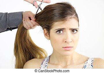 Schone Frau Bekommen Sehr Haarschnitt Langer Besorgt Haar