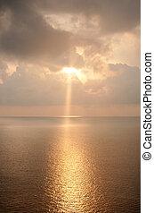 schöne , landschaftsbild, von, sonnenaufgang, aus, der, sea.