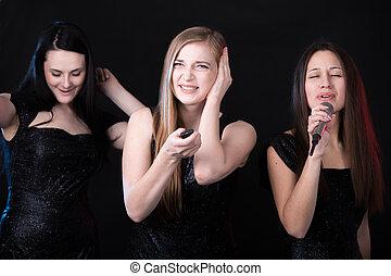 schöne mädchen, drei, karaoke
