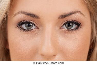 schöne , nahaufnahme, woman, aussieht, fotoapperat, eyes.
