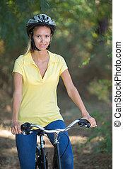 schöne , reiten, m�dchen, fahrrad, wald