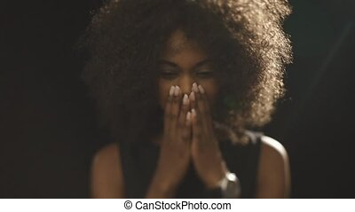 schöne , schauen, frau, afrikanisch, abdeckhauben, traurige...
